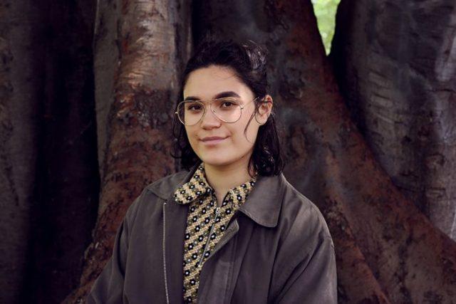 Ariel Ries adalah perempuan keturunan Australia-Indonesia yang besar di Melbourne, Australia. (ABC Arts: Leah Jing McIntosh