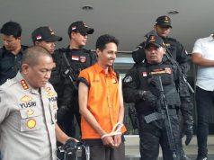 Tersangka pelaku pencabulan berkedok pengobatan alternatif, Habib Husein Alatas (baju oranye),di Polda Metro Jaya, Jakarta Selatan, Jumat, 20 Desember 2019. TEMPO/M Julnis Firmansyah