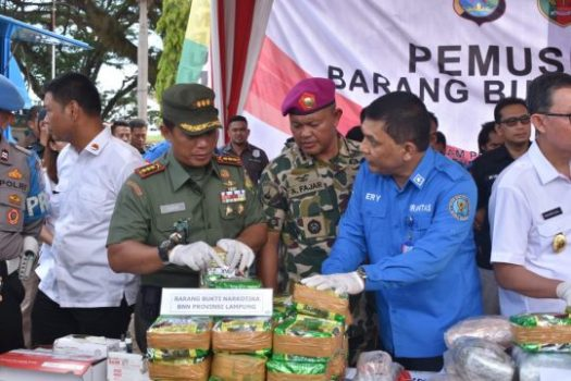 Polda – BNN Lampung Musnahkan 128.200 Butir Ekstasi, 137,8 Kg Sabu, dan 2.500 Butir Ermin