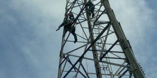 Coba Bunuh Diri di Tower BTS, Pemuda Tanggamus Berhasil Diselamatkan