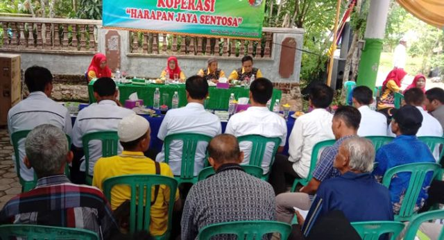 Rapat Anggota Tahunan (RAT) Koperasi Harapan Jaya Sentosa (HJS) Siring Jaha, Rabu, 22 Januari 2020.