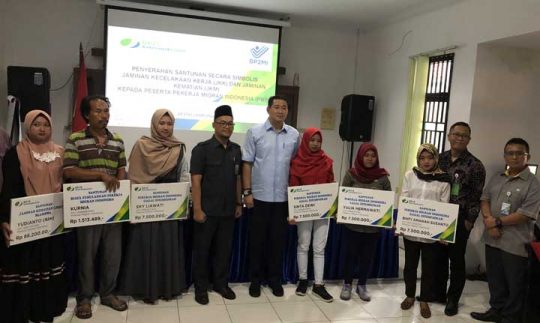 10 Pekerja Migran asal Lampung Terima Klaim Jaminan Sosial