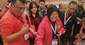 WALI Kota Surabaya Tri Rismaharini atau akrab disapa Bu Risma, di sela meninjau Pameran Rempah pada rangkaian Rakernas PDIP, Sabtu, 11 Januari 2020. Foto: Antara via Pikiranrakyat.com