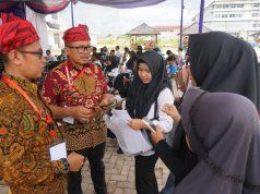 Kepala BKD Lampung Selatan, Puji Sukanto saat memberikan penjelasan kepada peserta seleksi CPNS.