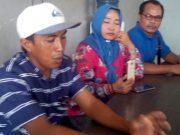 Kodri Saputra alias Ikod (35), pengusaha barang bekas (rongsokan) warga Kelurahan Yukum Jaya, Kecamatan Terbanggi Besar, Lampung Tengah korban salah tangkap saat berikan keterangan kepada awak media di Graha Jurnalis Polda Lampung, Jumat (28/2/2020).