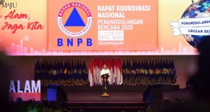 Presiden Jokowi saat memberikan arahan pada Rakornas BNPB Tahun 2020 di SICC, Bogor, Provinsi Jawa Barat, Selasa (4/2).