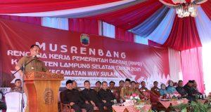 Plt Bupati Lampung Selatan, H. Nanang Ermanto saat menyampaikan sambutan sekaligus membuka Musrenbang Kecamatan Way Sulan.