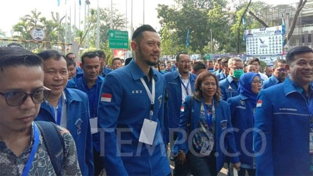 Agus Harimurti Yudhoyono (AHY) menghadiri Kongres V Partai Demokrat, di JCC, Senayan, Ahad, 15 Maret 2020. Ia disebut telah mengantongi 90 persen suara untuk menjadi Ketua Umum partai berlogo bintang mercy ini. TEMPO/Fikri Arigi