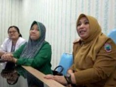 Direktur RSUD Bob Bazar Kalianda, Lampung Selatan, dr. Media Apriliana M.Kes saat berikan keterangan kepada awak media, Senin (16/3/2020).