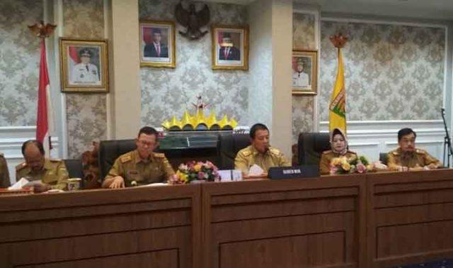 Dirut RSU Abdoel Moeloek (paling kiri) pada konferensi pers di Kantor Pemprov Lampung, Selasa (3/3/2020).
