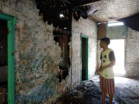 Rumah di Jalan Patimura Bandarlampung Terbakar