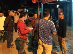Direktur Reserse Kriminal Umum Polda Lampung, Kombes Pol M Barly Ramadhani (paling kanan) bersama beberapa petugas saat berada di lokasi TKP di daerah Langkapura, Bandarlampung, Sabtu (7/3/2020) malam.
