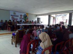 Suasana reses anggota DPR RI, Tamanuri dan anggota DPRD Provinsi Lampung, Mardiana.