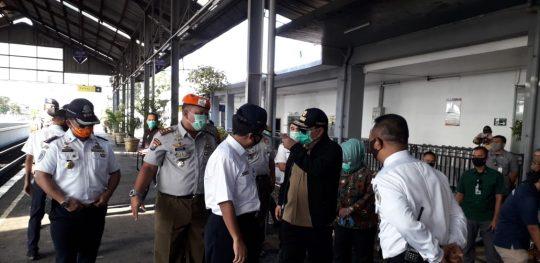 Antitipasi Covid-19, PT KAI Tanjungkarang Terus Pantau Penumpang