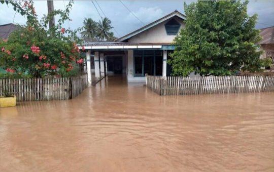 Tanggul Sungai Jebol, Dua Kampung di Bandar Negeri Semuong Kebanjiran