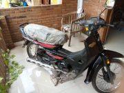 Honda Astrea Black Impressa tahun 1997 ini ditawarkan Rp 100 juta. Kondisi mulus seperti baru keluar dari pabrik. (Dok Pribadi Hasan)