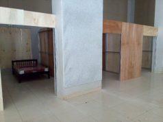 Ruang isolasi yang sedang dipersiapkan oleh Pemkab Lampung Utara. Ruang isolasi ini berada di dalam GSG di kompleks Islamic Center Kotabumi.