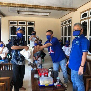 Reses, Yozi Rizal Sosialisasikan Perda Rembug Desa dan Bagikan Sembako