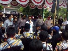 Ketua DPRD Lampung Utara, Romli menerima rombongan LSM GMBI yang menyuarakan sikap penolakan RUU HIP.