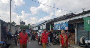 Tim Gugus Tugas Covid-19 Kabupaten Lampung Selatan menyisir Pasar Inpres Kalianda untuk melakukan sosialisasi Penegakan Disiplin Protokol Kesehatan.