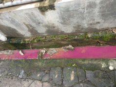 Limbah berwarna yang keluar dari gudang cat di Jalan Danau Maninjau, Kedaton, Bandarlampung.