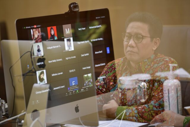 Mendes PDTT melepas KKN Mahasiswa Unand secara virtual