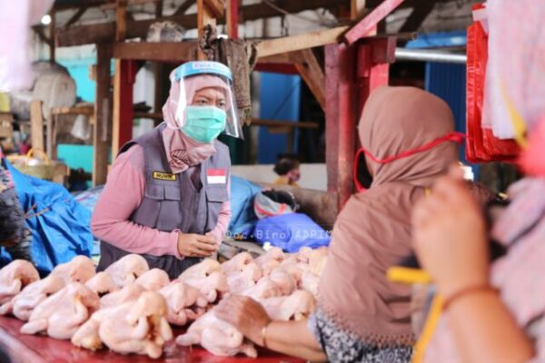 Covid-19, Wagub Lampung Minta Para Pedagang Terus Gunakan Masker
