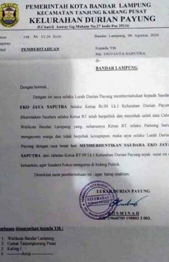Surat Lurah Durianpayung, Bandarlampung, tentang pemecatan Eko J. Saputra sebagai ketua RT.