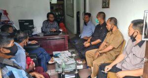 Perwakilan warga Desa Terbanggi Subing, Kecamatan Gunung Sugih, Kabupaten Lampung Tengah mengadu ke LBH Bandarlampung, Rabu (26/8/2020).