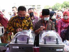 Walikota Herman HN Bagikan Mesin Kemasan untuk IKM dan UMKM
