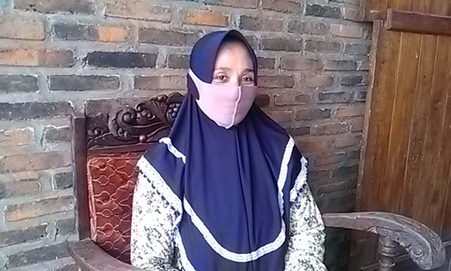 Istri Antoni Imam, Murniawati atau yang akrab disapa Umi Syamil.