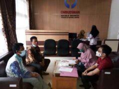 Perwakilan warga Kampung Bumi Dipasena dan Kampung Bumi Dipasena Jaya melaporkan PLN ke Ombudsman Lampung. Foto: Istimewa