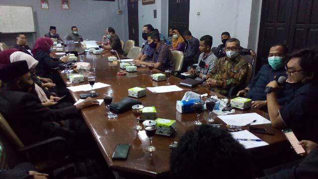 Suasana RDP lintas komisi DPRD Lampung Utara membahas dugaan pengemplangan pajak penerangan jalan bersama GMPK, dan PLN serta instansi terkait lainnya, Kamis (10/9/2020).