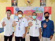 Ari Permadi berpose bersama dengan petinggi - petinggi BNNP Lampung