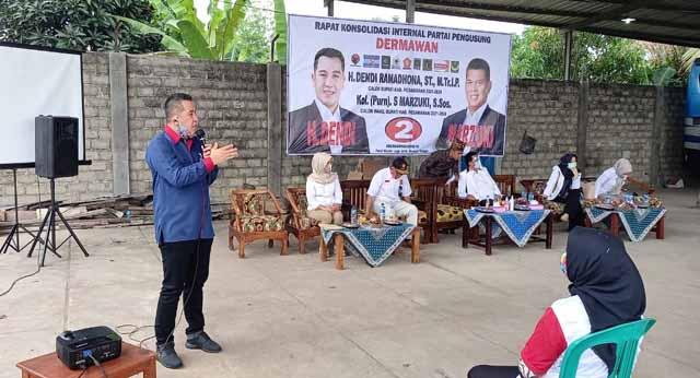 Dendi Ramadhona pada acara Rapat Konsolidasi Partai Pengusung Pasangan Calon Bupati dan Wakil Bupati Pesawaran Dendi Ramadhona - Marzuk di Desa Batanghari Ogan, Kecamatan Tegineneng, Kamis (1/10/2020).