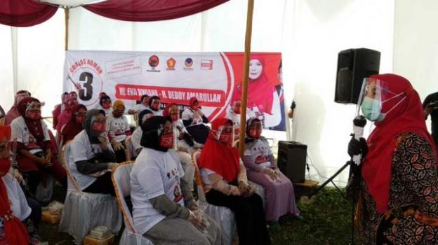 Eva Dwiana Janji akan Tambah Insentif Para Guru Honorer