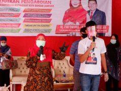Calon Walikota Bandarlampung Eva Dwiana ketika melakukan kampanye di Kelurahan Susunanbaru, Kecamatan Tanjungkarang Barat, Selasa (13/10/2020).