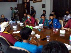 Rapat bersama perwakilan organisasi mahasiswa dan fraksi di DPRD Lampung Utara, Selasa (13/10/2020),terpaksa dibatalkan akibat enam fraksi absen.