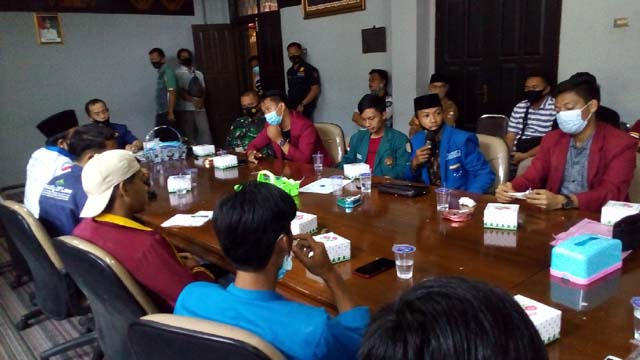 Demo Tolak Omnibus di Lampura, Ini Alasan Fraksi Absen Bertemu dengan Perwakilan Organisasi Mahasiswa