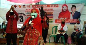 Eva Dwiana, berkampanye di Kelurahan Kotabaru, Rabu (14/10/2020).