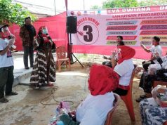 Eva Dwiana berkampanye doi Way Tataan, Kecamatan Telukbetung Timur, Jumat (2/10/2020).
