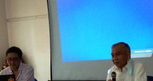 Koordinator RUKO Ir Warsito (kanan), didampingi Oyos Saroso HN, pemateri pelatihan menulis bagi stakeholders yang digelar RUKO, 3-4 Oktober 2020.