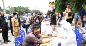 Para pendatang yang hendak masuk ke Kota Bandarlampung harus menjalani rapid test.