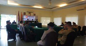 Sidang putusan musyawarah terbuka Bawaslu Lampung Selatan terhadap usulan bakal pasangan calon (Bapaslon) Hipni-Melin terkait penetapan calon kepala daerah oleh KPU Lampung Selatan yang digelar di Negeri Baru Resort (NBR) Kalianda, Minggu (4/10/2020).