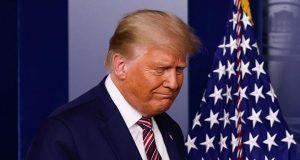 Ekspresi Presiden AS Donald Trump saat akan berbicara tentang hasil pemilihan presiden AS 2020 di Gedung Putih, Washington, AS, 5 November 2020. Joe Biden akan dipastikan resmi menjadi presiden AS jika telah meraih 270 suara elektoral. REUTERS/Carlos Barria