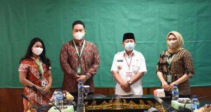 Walikota Herman HN bersama Direksi PT Grab Tekhnologi Indonesia cabang Lampung.