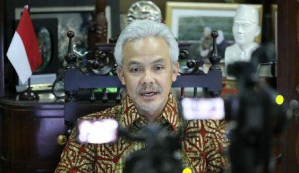 Gubernur Jawa Tengah Ganjar Pranowo dalam Vidcon Rakor Penanganan COVID-19.