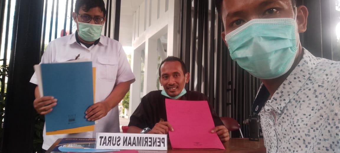 Ketua PGK Lampura, Exsadi saat melaporkan temuan mereka seputar program Kotaku di Kementerian PUPR