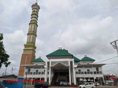 Menara Al-Furqon Bandarlampung yang terletak di sisi kiri Masjid Al-Furqon, di Jl. Pangeran Diponegoro, Bandarlampung. Foto: Terslampung.com/Dandy Ibrahim