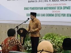 Menteri Halim saat memberi Kuliah Umum Sekolah Badan Usaha Milik Desa (BUMDes) di Gedung Serbaguna STIE PGRI Dewantara, Jombang, Sabtu (5/12/2020).